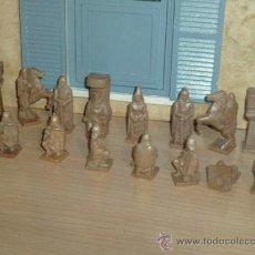 Figuras de Goma y PVC: 16 ANTIGUAS FIGURAS DE PLASTICO DURO,¿AJEDRÉZ,MEDIEVALES,CRUZADOS,REYES CATOLICOS,DUNKIN?,MUY RARAS. Lote 44791570