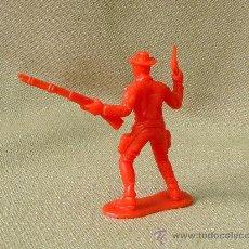 Figuras de Goma y PVC: FIGURA DE PLASTICO, VAQUERO O COW BOY, PIPERO. Lote 26274939