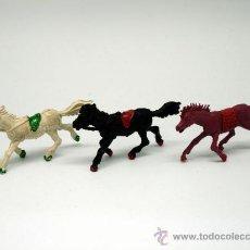 Figuras de Borracha e PVC: 3 CABALLOS DE LAFREDO EN GOMA Y PLÁSTICO AÑOS 50 SERIE 4,5 CM. Lote 29497300