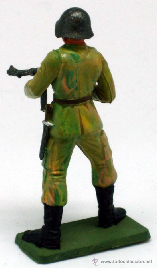 Figuras de Goma y PVC: Soldado alemán Starlux ametralladora fusil 2ª Segunda Guerra Mundial años 70 plástico - Foto 2 - 26841593