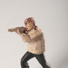 Figuras de Goma y PVC: FIGURA SERIE CANADA, ESQUIADORES O POLAR DE GOMA, FABRICADO POR GAMA, AÑO 1950. Lote 85894138