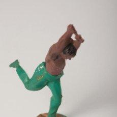 Figuras de Goma y PVC: INDIO EN GOMA, DESMONTABLE, FABRICADO POR GAMA, AÑOS 1950-60. Lote 27147828