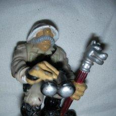 Figuras de Goma y PVC: ANTIGUA FIGURA CAZADOR JUMANYI - ENVIO GRATIS A ESPAÑA. Lote 45768707