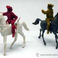 Figuras de Goma y PVC: 2 FEDERALES A CABALLO COMANSI AÑOS 70. Lote 27732303