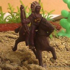 Figuras de Goma y PVC: INDIO DE GOMA Y CABALLO DE LAFREDO O CAPELL PEQUEÑOS. Lote 28090342