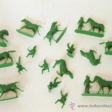Figuras de Goma y PVC: FIGURAS VERDES MONTAPLEX - CABALLERIA NAPOLITANA 141. Lote 28360123