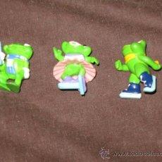 Figuras Kinder: QUEX - JUGUETES - KINDER - LOTE DE 3 FIGURAS HUEVOS KINDER RANAS. Lote 28386722