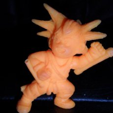 Figuras de Goma y PVC: SON GOKU - GOMAS MATUTANO DRAGON BALL (BOLA DE DRAGON) PREMIOS DE MATUTANO. NUNCHAKUS. Lote 28549966