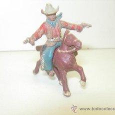 Figuras de Goma y PVC: COWBOY VAQUERO A CABALLO DE LAFREDO GOMA 42MM. Lote 28726451