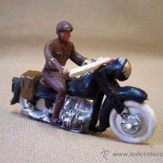 Figurines en Caoutchouc et PVC: FIGURA DE PLASTICO, MOTO, MOTORISTA, FABRICADO POSIBLEMENTE, POR TEIXIDO. Lote 28833589