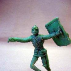 Figuras de Goma y PVC: RARA FIGURA PLASTICO, PIPERO, SOLDADO MEDIEVAL, COMANSI, 8 CM. Lote 28833899