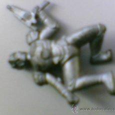 Figuras de Goma y PVC: FIGURA SOLDADO MUÑECO ANTIGUO DEL ESPACIO GOMA. Lote 28881758