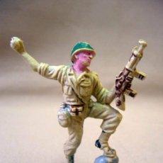 Figuras de Goma y PVC: FIGURA DE PLASTICO, SOLDADO AMERICANO, MARINE, FABRICADO POR PECH. Lote 28933761