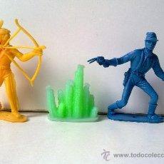 Figuras de Goma y PVC: INDIO Y SOLDADO, COMANSI, SIN PINTAR Y EN , MAS ACCESORIO COMANSI, VER FOTOS, ORIGINAL. Lote 28910600