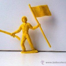 Figuras de Goma y PVC: FIGURA DE PLASTICO COMANSI SOLDADO AMERICANO 1980S. Lote 29130205