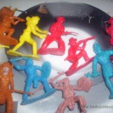 Figuras de Goma y PVC: VAQUEROS Y INDIOS - LOTE DE 11 FIGURAS. Lote 29248183