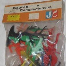 Gummi- und PVC-Figuren - BLÍSTER DE FIGURAS Y COMPLEMENTOS DEL OESTE JECSAN - 30038667