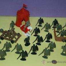 Figuras de Goma y PVC: LOTE DE FIGURAS MONOCROMO-MEDIEVALES -CON ACCESORIOS -. Lote 30941959