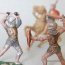 Figuras de Goma y PVC: LOTE 3 FIGURAS GLADIADORES Y UN CABALLO REAMSA, Nº 120 Y 122, AÑOS 70. Lote 32024414