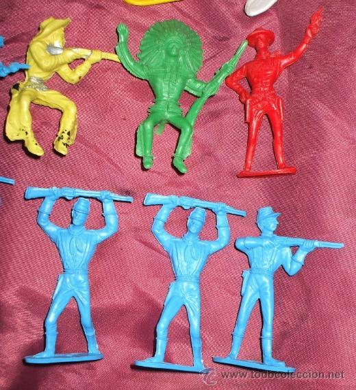 Figuras de Goma y PVC: LOTE DE 17 INDIOS Y AMERICANOS DE COMANSI PLASTICO - Foto 3 - 32214506