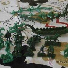 Figuras de Goma y PVC: LOTE DE 20 GUERREROS INDIOS Y VIKINGOS, 2 PARES DE BURROS, 2 CANOAS INDIAS, 1 BARCO VIKINGO.... Lote 32449027