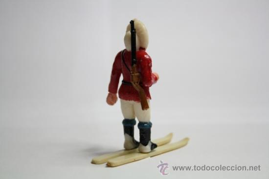 Figuras de Goma y PVC: Figura de Goma, Esquimal con Arma y Esquí de la Serie de Manuel Sotorres, Años 50 - Foto 3 - 32637518