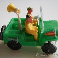 Figuras de Goma y PVC: SOTORRES : JEEP VUELTA CICLISTA AÑOS 60 ORIGINAL 100% . Lote 32680495