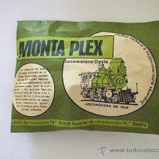 Figuras de Goma y PVC: MONTAPLEX - LOCOMOTORA DEL OESTE, SOBRE CERRADO, AÑOS 60. Lote 244472650