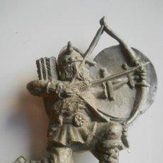 Figuras de Goma y PVC: PIPERO : ARQUERO VIKINGO REG MONOCOLOR AÑOS 60 ORIGINAL 100% . Lote 32968688