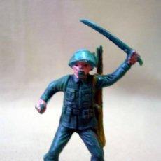 Figuras de Goma y PVC: FIGURA DE PLASTICO, SOLDADO, CASCO AZUL, FABRICADO POR JECSAN, 1970S. Lote 34191499
