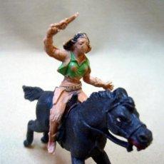 Figuras de Goma y PVC: FIGURA DE PLASTICO, VAQUERA, MUJER A CABALLO, FABRICADA POR JECSAN, 1970S. Lote 34228542