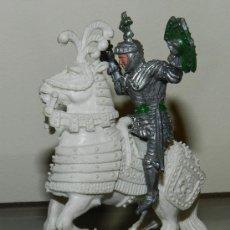 Figuras de Goma y PVC: ANTIGUA FIGURA DE CABALLERO MEDIEVALA CABALLO, DE LAFREDO, TAL COMO PUEDE VERSE EN LAS FOTOGRAFIAS P. Lote 34852668