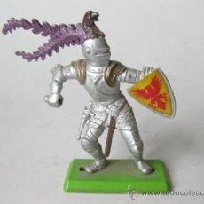 Figuras de Goma y PVC: FIGURA DE SOLDADO MEDIEVAL BRITAINS DEETAIL. Lote 35049218