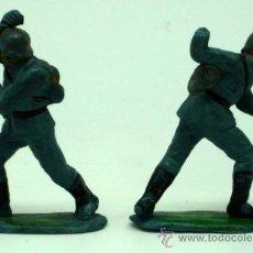 2 soldados alemanes Pech En acción 2ª Segunda Guerra Mundial goma años 50