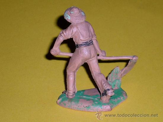 Figuras de Goma y PVC: Figura granjero con hoz, Allá en el Rancho Grande, plástico, Reamsa, original años 60. - Foto 2 - 35392005