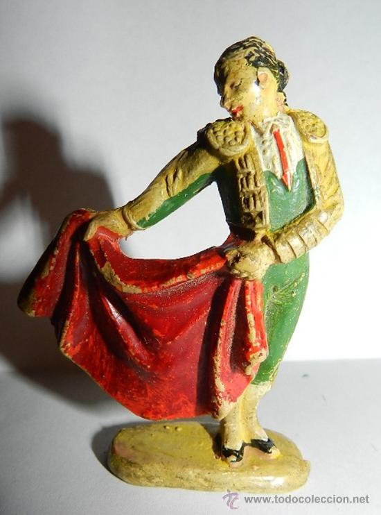 ANTIGUO FIGURA DE TORERO CON CAPOTE, CORRIDA DE TOROS TEIXIDOR, LOS BRAZOS FIJOS, REALIZADO EN GOMA, (Juguetes - Figuras de Goma y Pvc - Teixido)