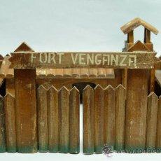 Figuras de Goma y PVC: FUERTE FORT VENGANZA MADERA AÑOS 50. Lote 35506172
