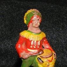 Figuras de Goma y PVC: ANTIGUO INDIO DE GOMA CON TAMBOR, REAMSA N. 71, AÑOS 50. MUY RARO.. Lote 35512470