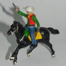 Figuras de Goma y PVC: ANTIGUA FIGURA VAQUERO O COW BOY DE GOMA, REALIZADO POR JECSAN, SE LE QUITA EL SOMBRERO, EL CABALLO . Lote 35669544