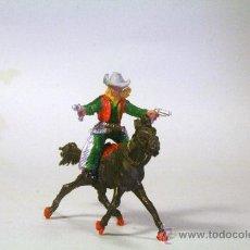 Figuras de Goma y PVC: LAFREDO. COWBOY-VAQUERO A CABALLO CON DOS REVÓLVERES. AÑOS 50. Lote 35729704