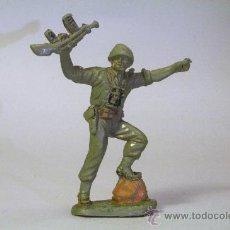 Figuras de Goma y PVC: PECH. SOLDADO AMERICANO-MARINE AMETRALLADORA EN ALTO. GOMA. ORIGINAL AÑOS 50-60. Lote 35855128
