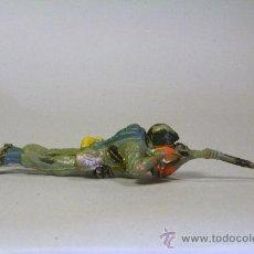 Figuras de Goma y PVC: PECH. SOLDADO AMERICANO-MARINE TUMBADO DISPARANDO. GOMA. ORIGINAL AÑOS 50-60. Lote 35855161