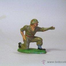 Figuras de Goma y PVC: PECH. SOLDADO AMERICANO-MARINE SERVIDOR ARTILLERÍA. GOMA. ORIGINAL AÑOS 50-60. Lote 35863003