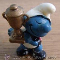 Figuras Kinder: FIGURA PVC KINDER SORPRESA DE LA COLECCIÓN DIE FUBBALL - SCHLUMPFE 1988 PITUFO. Lote 35903681