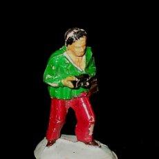 Figuras de Goma y PVC: FIGURA SERIE CARRERAS, 4 CMS. 1/43 ESC. 0, EN GOMA POR LA CASA PECH, ORIGINAL AÑOS 50.. Lote 35988721