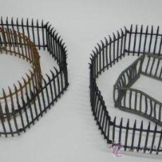 Figuras de Goma y PVC: JAULAS O VALLAS FABRICADAS EN PLÁSTICO, SEGURAMENTE POR LA CASA PECH, PARA SU SERIE SAFARI, PUDIE. Lote 35994511