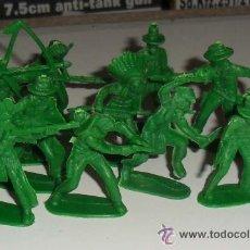 Figuras de Goma y PVC: LOTE INDIOS Y VAQUEROS DE PLASTICO 5CM COLOR VERDE. Lote 36433891
