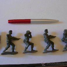 Figuras de Goma y PVC: LOTE DE 5 SOLDADOS INFANTERIA U.S.A. MODERNA 6 CM.KIOSKO, REPROS AIRFIX.AÑOS 90.GOMA.PTOY. Lote 36379510