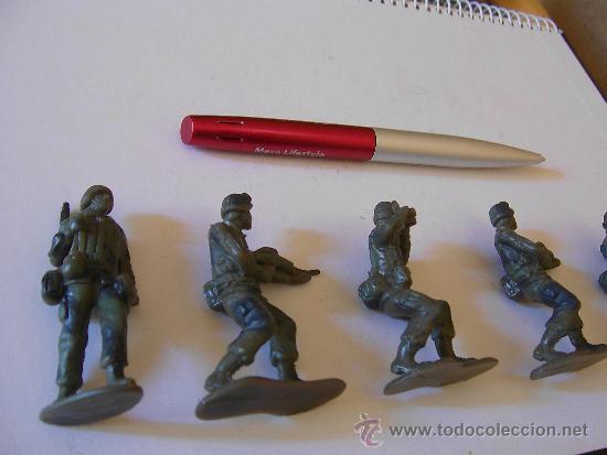 Figuras de Goma y PVC: LOTE DE 5 SOLDADOS INFANTERIA U.S.A. MODERNA 6 CM KIOSKO REPROS AIRFIX AÑOS 90 GOMA. PTOY - Foto 2 - 36379510