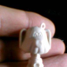 Figuras de Goma y PVC: FIGURA MUÑECO CABEZON PERRO SAXOFON CHICLES DUNKIN LLAVERO PREMIUM . Lote 36559109
